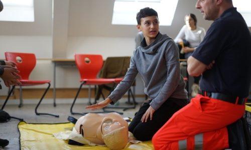Nachwuchs für die Lebensretter – Schüler lernen Reanimation