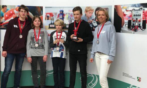 Lego-Roboter-AG des MCG – Herzlichen Glückwunsch zum 2. Platz und zum Einzug ins Finale des zdi-Roboter-Wettbewerbs 2018/19!