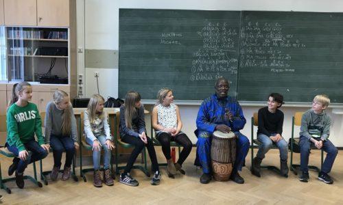 Feel the rhythm! – Dieser Trommelworkshop reißt alle mit